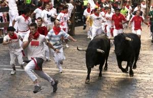 sanfermines-toros-encierro